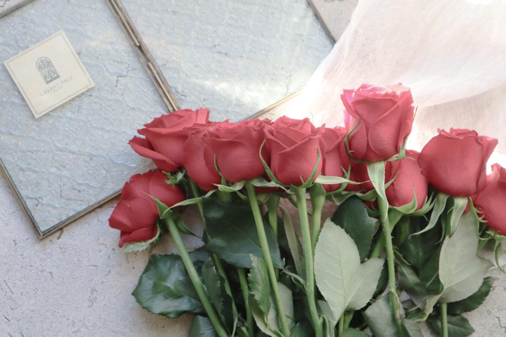 プリザーブドフラワーに加工するためにお預かりした赤いバラ